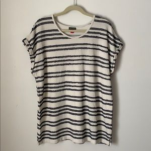 VINCE CAMUTO Long Striped T-Shirt